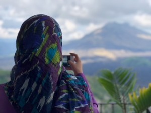 Shelina Janmohamed overlooking Mount Batur